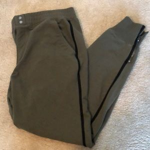 Abercrombie & Fitch knit joggers size L